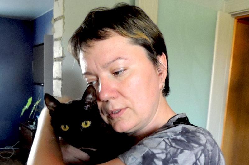 Жорин котёнок напоминает Олесе о сыне