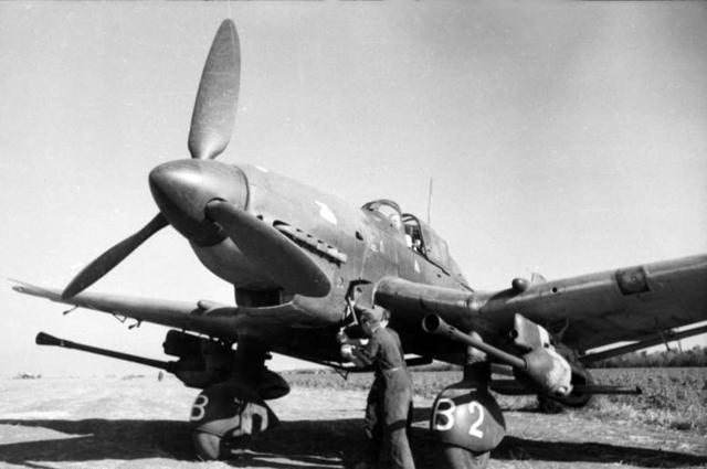Бомбардировщик Ju-87G Ганса-Ульриха Руделя.