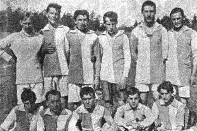 Групповая фотография футболистов ОЛЛС. 1913 год