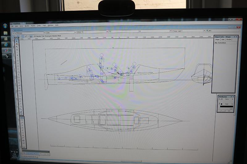 Лодка конструируется специально для Конюхова. Это первый в мире экземпляр, на котором Фёдор попытается в одиночку пересечь Тихий океан