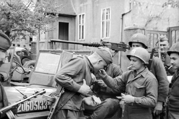 Советские и американские солдаты в районе Торгау