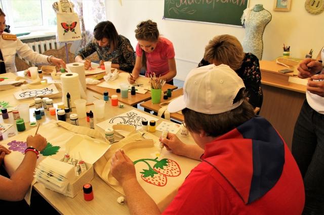 Для участников праздника и воспитанников провели мастер-классы и конкурсы.