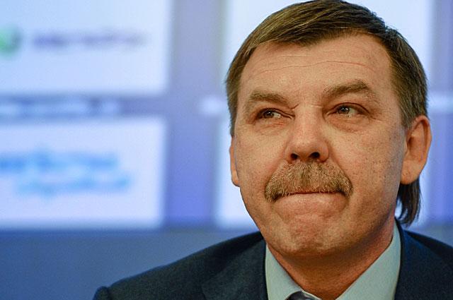 Главный тренер мужской сборной России по хоккею Олег Знарок