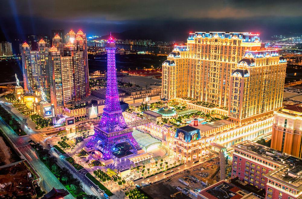 В Макао есть свои Эйфелева башня и европейские кварталы.