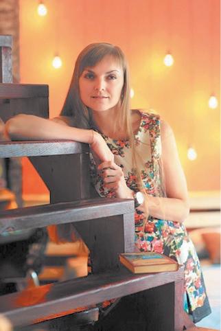 Светлана Галеева - непосредственный организатор социального движения «Бабушкина улыбка». Родилась в Навле. В 2001 году окончила Брянскую сельскохозяйственную академию (ныне БАУ) по специальности бухучёт и аудит. Живёт в Брянске, уделяя внимание не только старикам, но и детям из онкоцентра.