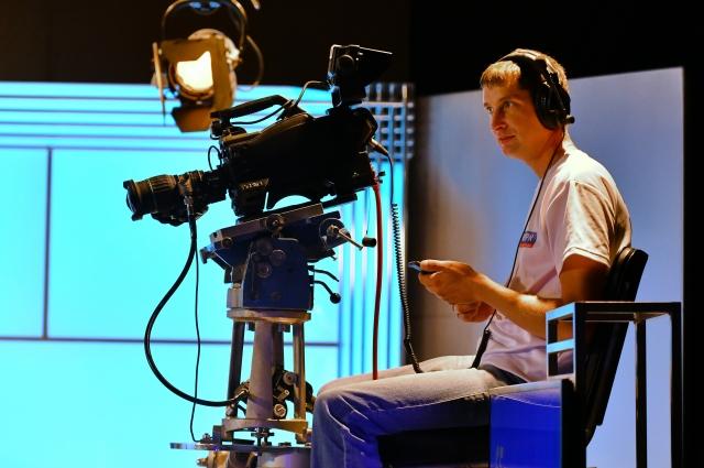 Съёмки в студии доверят не каждому.