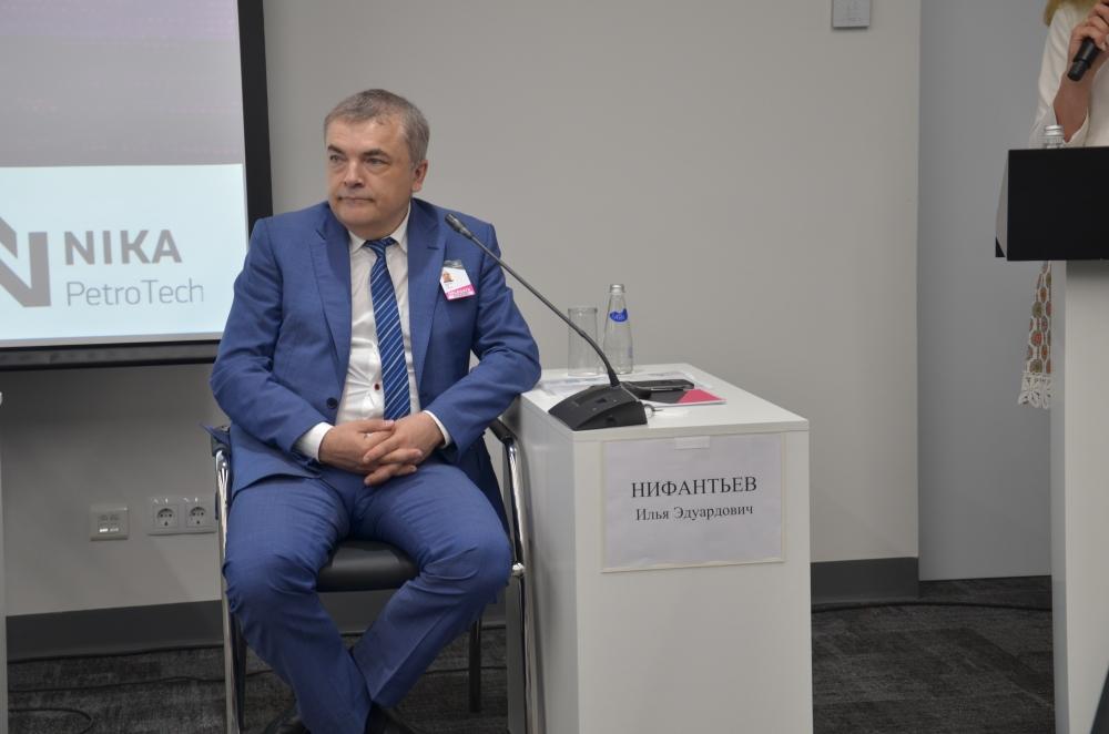 Доктор химических наук Илья Нифантьев.