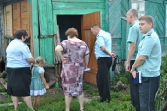 В августе у беременной пензячки отобрали четверых детей за пренебрежение родительскими обязанностями