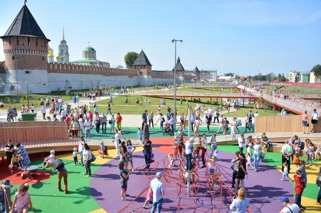 Обновленная Казанская набережная