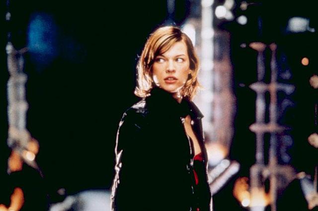 Кадр из фильма «Обитель зла», 2002 г.
