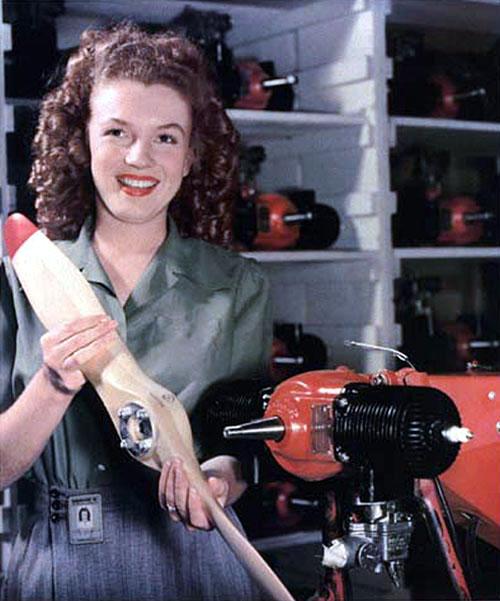 Мэрилин Монро, 1945 г