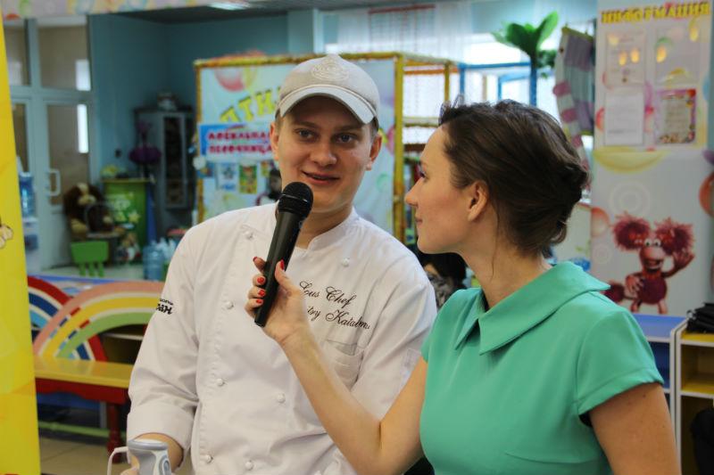 Шеф-повар Дмитрий остался доволен подопечными.