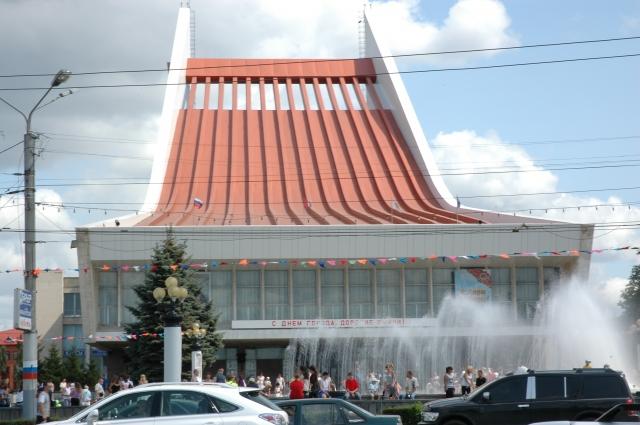 Здание музыкального театра открылось в 1982 году.