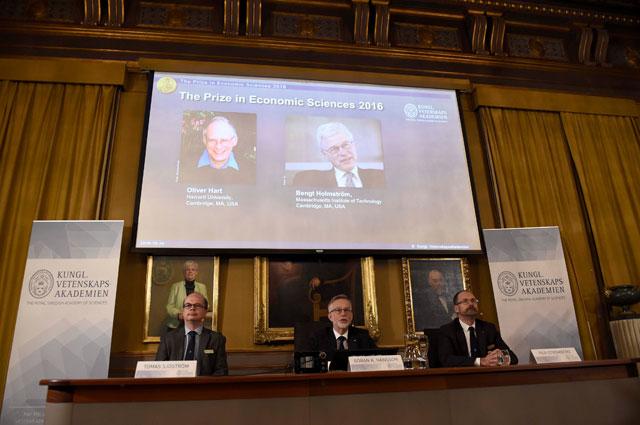 Нобелевская премия по экономике в 2016 году досталась Оливеру Харту из Гарвардского университета и Бенгту Хольмстрему.
