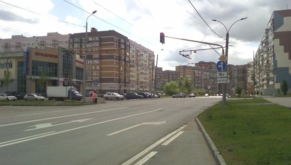 Грузовики отправляют на дорогу с односторонним движением.