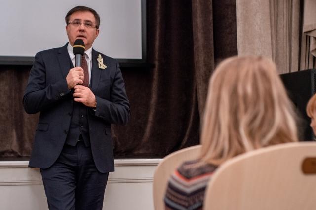 На презентации фильма присутствовал глава администрации Пушкинского района Владимир Омельницкий.
