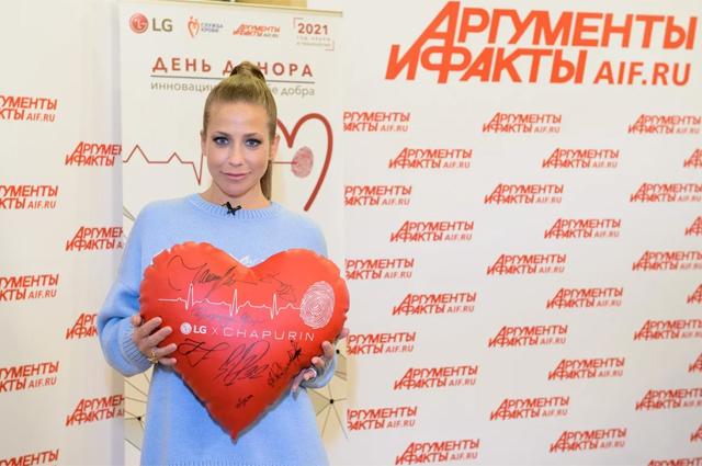 Теле- ирадиоведущая Юлия Барановская.