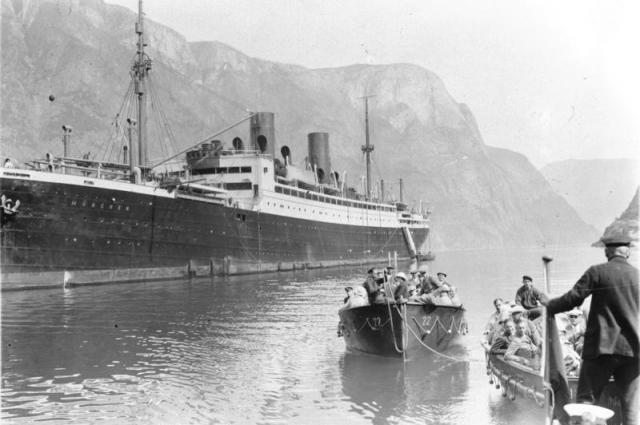 Kfqyth Спущен на воду в 1922 году под названием «Мюнхен»/