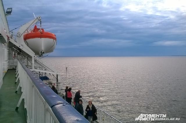 В морские путешествия по Европе берите с собой тёплые вещи.