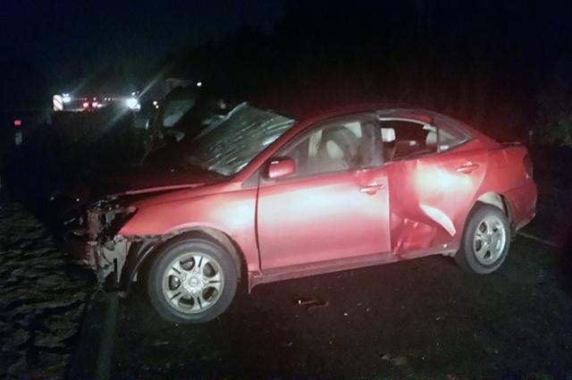 В двойном ДТП пострадал один человек.