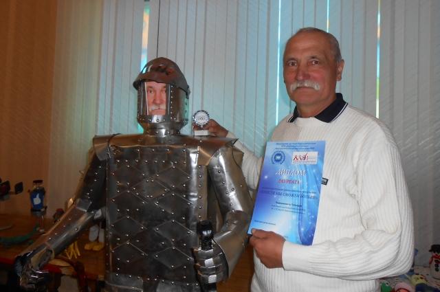 Рыцарь с лицом мастера.