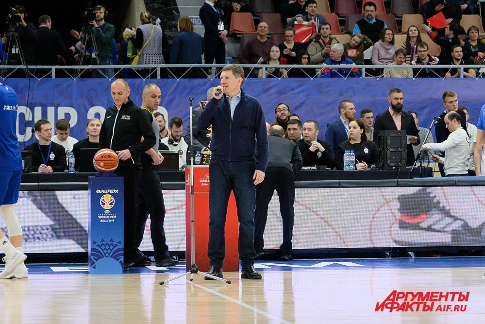 Губернатор напомнил, что баскетбол в Перми имеет свою историю.