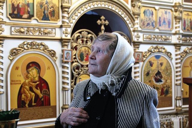 Бойкости Зое Поповой не занимать: не каждый после 70 лет возьмётся за такое дело, как строительство храма с нуля