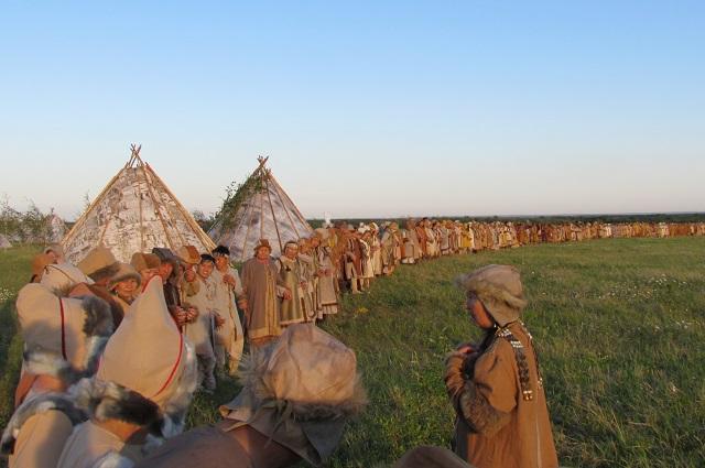 Главной задачей съемочной группы было организовать 3-тысячную массовку.