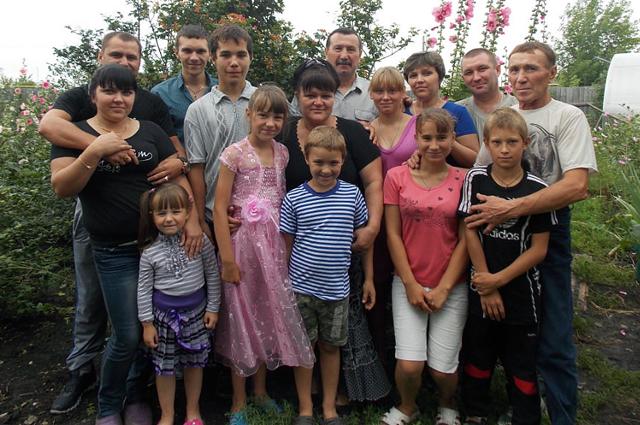 Вся семья: родные и приёмные дети и внуки, 2013 год