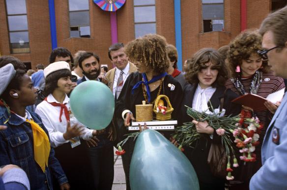 Анджела Дэвис в качестве почетного гостя на XII Всемирном фестивале молодежи и фестиваля в Москве, 1985 год