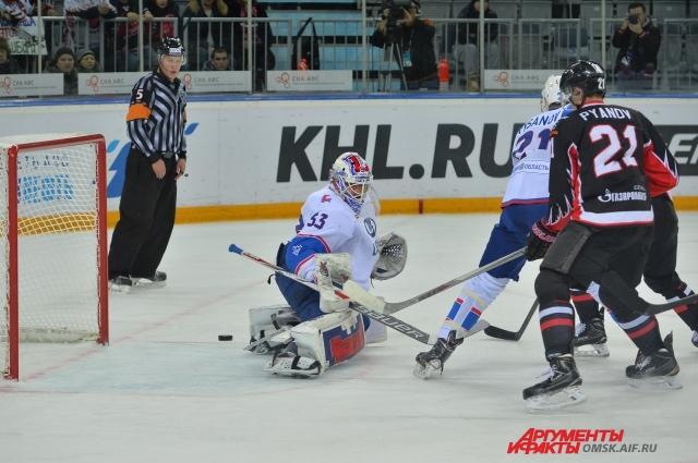 На омском льду тольяттинцы проиграли.