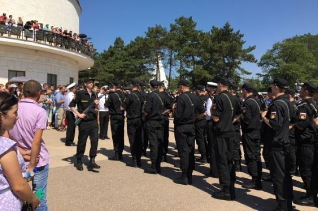 Весенний призыв в Крыму (35 Береговая батарея, Севастополь).