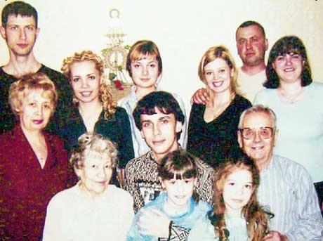 Максим Галкин в кругу челябинских родственников