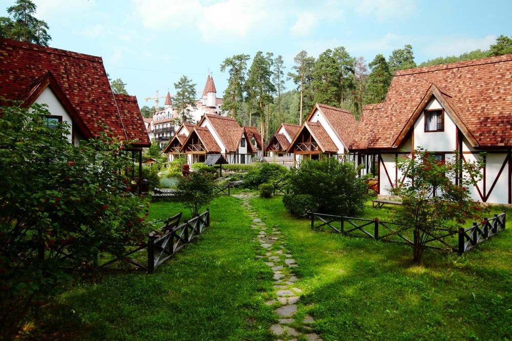 Для отдыхающих подготовлены уютные домики на территории отеля.