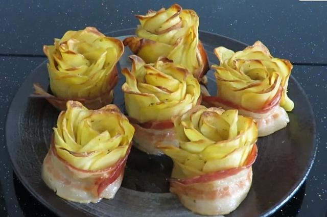 Картофельные розы - настоящее произведение искусства.