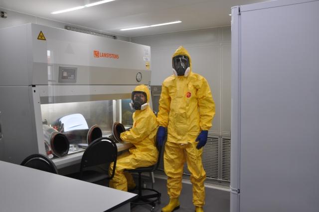 Принимая больных с подтвержденным COVID-19 на базе НКДЦЭМ, РУСАЛ продолжает оказывать Гвинее помощь в борьбе с опасными эпидемиями.