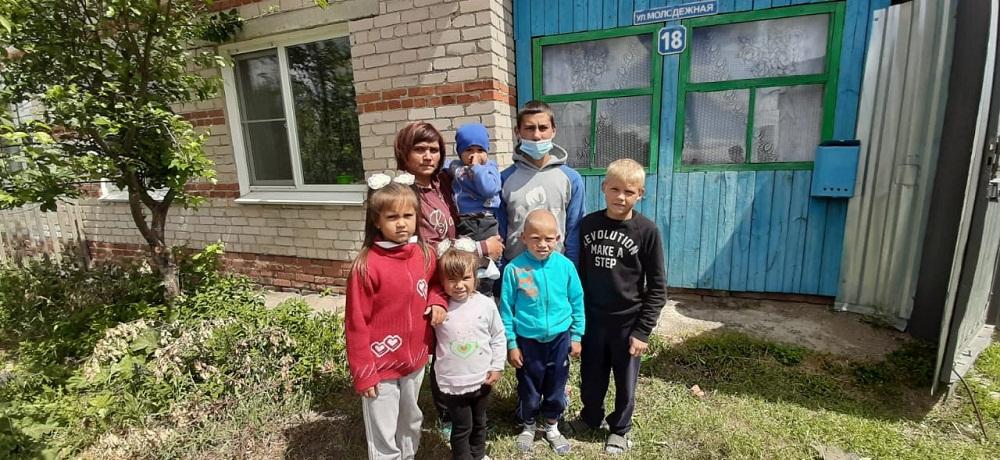 Шесть детей могут оказаться на улице.