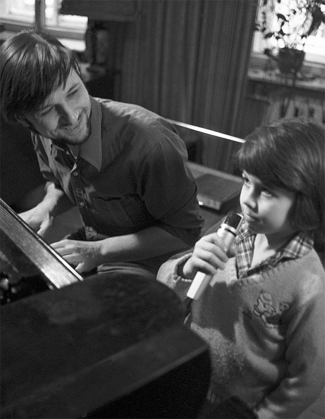 Композитор Алексей Рыбников с сыном Дмитрием. 1983 год.