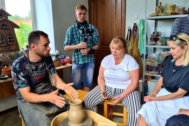 Уральские умельцы готовы показать туристам, как делали поcуду во времена Беринга.