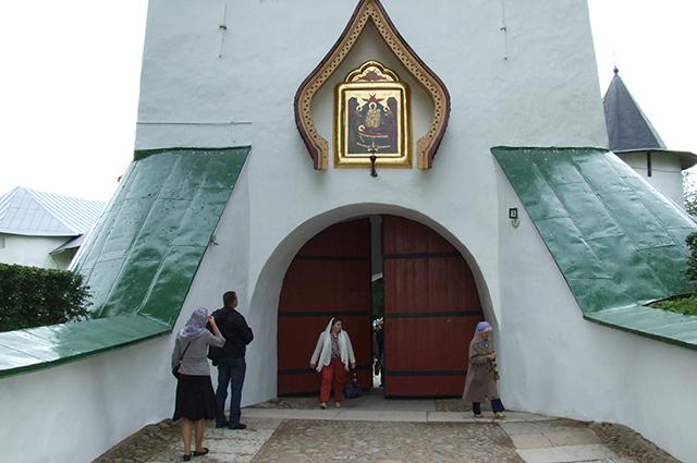 Псково-Печерский монастырь не закрывался 540 лет