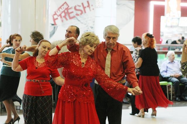 Искусству танца некоторых пар могут позавидовать молодые