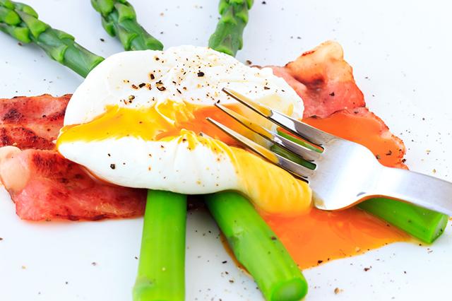 Яйцо-пашот - отличный вариант завтрака.