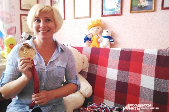 Мама Веры Оксана Васильевна точно знает, что её дочка никогда не сдаётся.