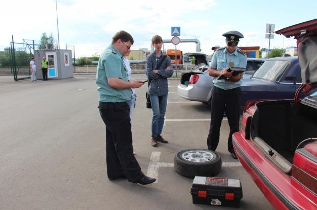 Кузбассовец лишился колес из-за долгов.