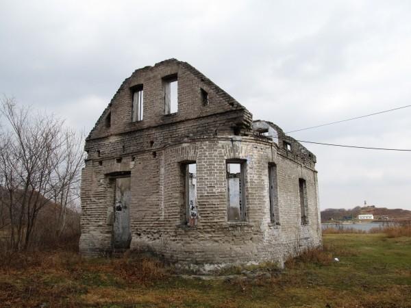 Эти руины - всё, что осталось от усадьбы Михаила Янковского.