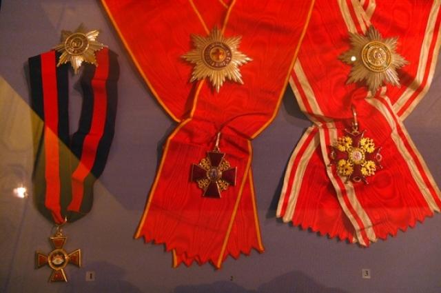 Ордена и звезды Ивана Айвазовского.