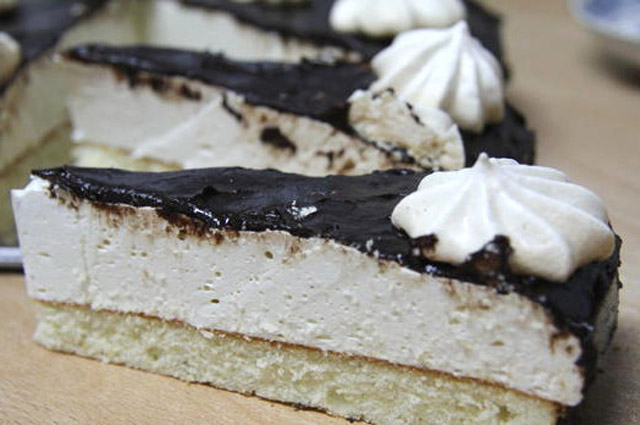торт «Птичье молоко» домашнего приготволения.