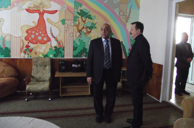 Академик Акчурин (на фото слева) убеждён: - Современное квалифицированное восстановление больных должно стать делом государственной важности. Нужны реабилитационные квоты.