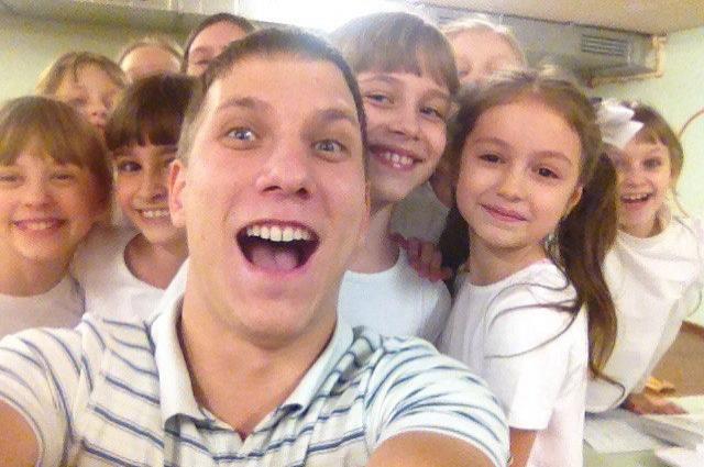 Вадим Гусинский со своими учениками.