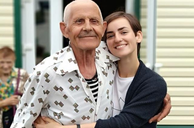 Наши пенсионеры не остаются без заботы родных или соцработников.